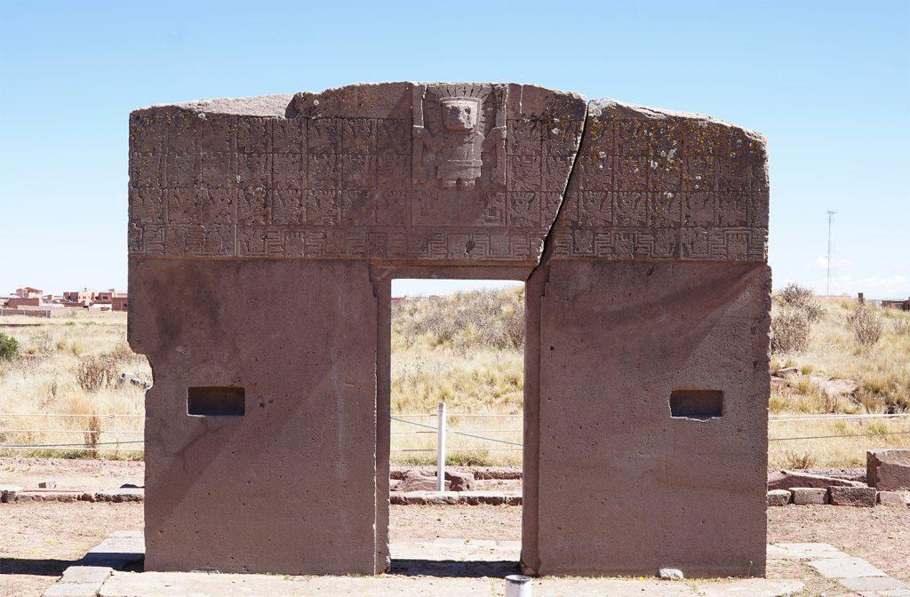 Sito archeologico Tiahuanaco, Puerta del Sol con il Dio di Bastoni